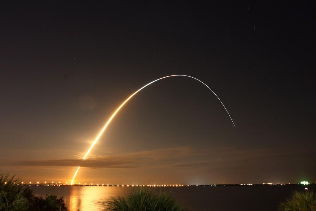 lansare spatiala nocturna